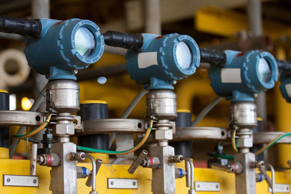 Emetteur de pression dans le processus de lhuile et du gaz envoyer le signal au controleur et la pression de lecture dans le systeme.